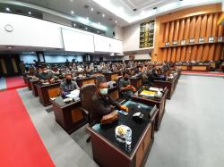 Paripurna Reses, DPRD Pekanbaru Patuhi Protokol Kesehatan
