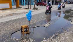 Belum Ada Perbaikan, Jalan Delima Makin Rusak dan Tergenang
