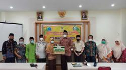 25 Mahasiswi STAI Diniyah Terima Beasiswa Terpadu Baznas Riau