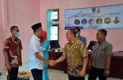 Tim PKM Fakultas Teknik UIR Ajarkan Anak Muda di Dumai Mengelas