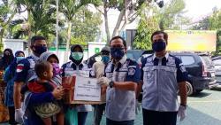 Kemenkumham Riau Bagikan 227 Paket Sembako