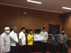 Gaji Dewan Siak Dipotong Atas, Terkumpul Rp102 Juta untuk Zakat