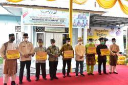 Gubri Serahkan Bansos Rp23 M untuk Panti Asuhan se-Riau