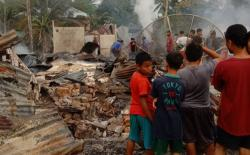 18 Unit Rumah dan Warung Hangus Terbakar