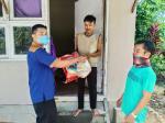 Karang Taruna Marpoyan Damai Bagikan 100 Paket Sembako