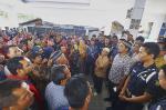 Tolak Pindah, Pedagang Demo
