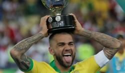Alves Reuni dengan Pep di City?