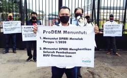 Tetap Demo Tolak Omnibus Law Cipta Kerja