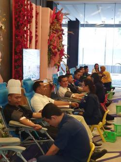 Sikapi Positif Isu Corona, Novotel Pekanbaru Tetap Gelar Kegiatan CSR