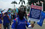 Pemerintah Memiskinkan Pekerja dan Mendewakan Perusahaan Outsourcing