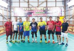 PB Riau Pos Sparring Partner dengan PBSI Inhil
