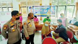 Gerai Vaksin Polres Kampar Gelar Vaksinasi di Daerah Terpencil