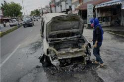 Satu Mobil Terbakar di Jalan Kaharuddin Nasution