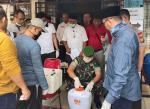 Anggota DPRD Pekanbaru Dapil VI Turba Semprot Desinfektan
