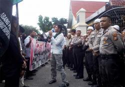 HMI Pekanbaru Kutuk Tindakan Represif Aparat Kepolisian