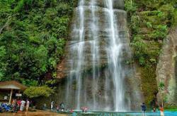 6 Objek Wisata di Sumatera Barat Yang Harus anda Kunjungi!