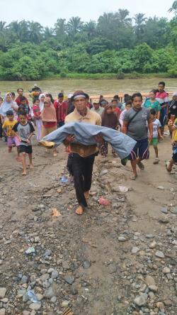 Balita Hanyut di Sungai Rokan Ditemukan Tersangkut Tak Bernyawa