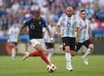Mbappe yang Kian Dekat dengan Pele usai Jadi Pemain Muda Terbaik FIFA