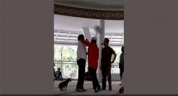Perempuan Bawa Anjing Masuk Masjid Jadi Tersangka Penistaan Agama