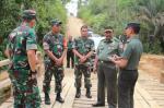 Panglima TNI dan Kapolri Tinjau Karhutla di Rupat