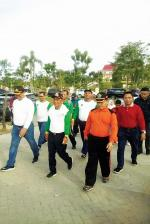 Kakanwil Kemenag Riau Lepas Jalan Sehat Peringati HAB Ke-74