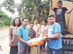 Banjir, BMKSB Riau Serahkan Bantuan
