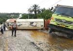 Mundur, Tak Sanggup Mendaki, Mobil CPO Ditabrak Dump truck