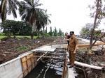 Proyek Turap Jalan Yos Sudarso Jadi Sorotan