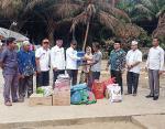 Salurkan Bantuan Kebakaran di Kepenuhan Timur