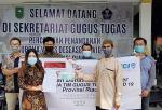 JCI Pekanbaru Serahkan Masker ke Satgas Covid-19 Riau