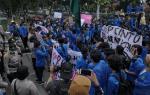 Ratusan Massa Aksi Pelajar dan Mahasiswa Datangi DPRD Riau
