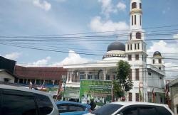 Masjid Nurul Yaqin Turut Bantu Dua Masjid Lain untuk Santunan