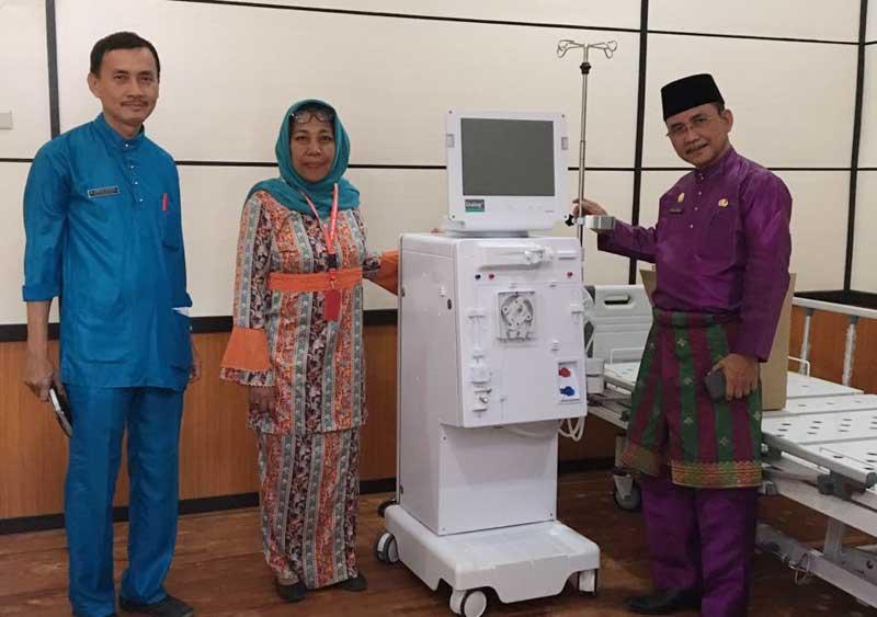 RSUD Terima Empat Unit  Alat Cuci Darah