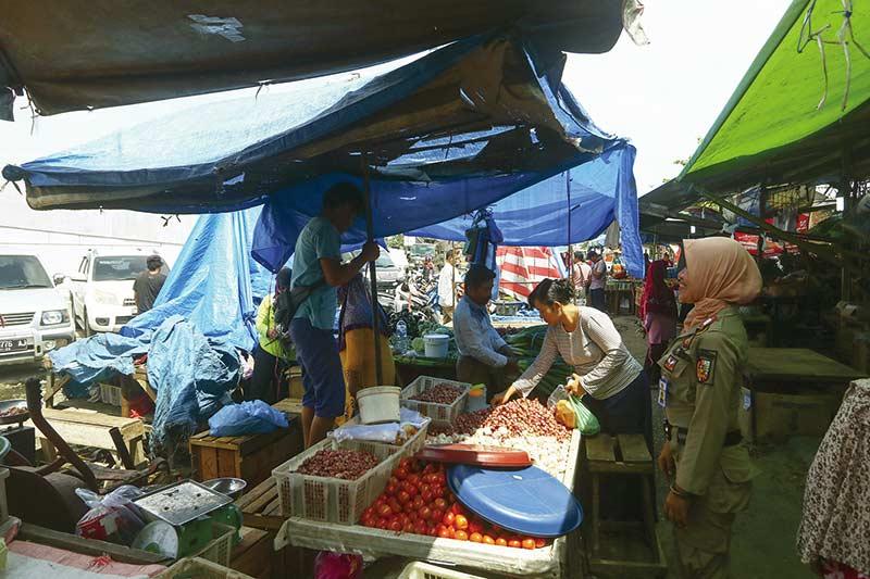 PKL Pasar Pagi Arengka Ditertibkan