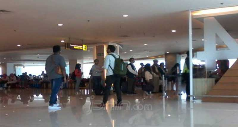 Penumpang Heran Tidak Ada Informasi Pembatalan Penerbangan Sriwijaya