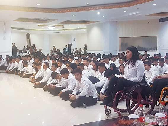 Sembilan Atlet Berprestasi Riau Terima SK CPNS