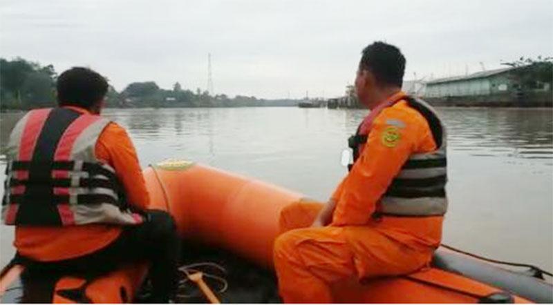Sungai Siak Telan Korban Jiwa, Basarnas Kota Pekanbaru Lakukan Pencarian Hingga Hari ini
