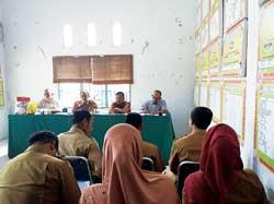 3.737 Paket Sembako Murah Diserbu Warga