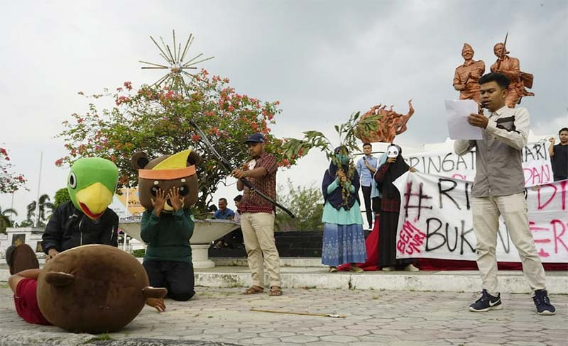 Pesan Demonstran di Peringatan Hari Puspa dan Satwa