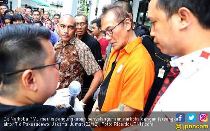 Selebritas Beri Dukungan untuk Tio Pakusadewo Terkait Vonis Hakim