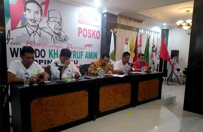 Rapat Kerja dan Terima Gelar Adat
