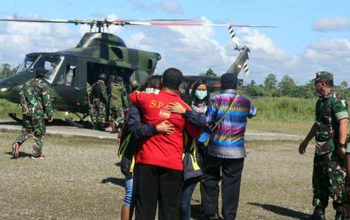Pasca Penyanderaan di Papua, Para Murid Berguru ke Personel TNI