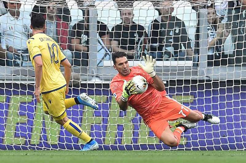 Baru Main Tiga Laga, Kontrak Gianluigi Buffon Diperpanjang Juventus