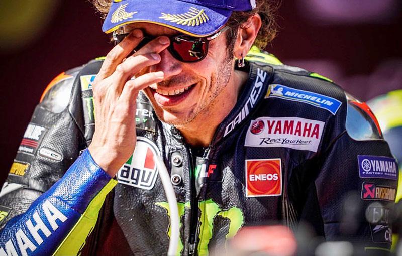 Dua Kali Terjatuh, Rossi Kibarkan Bendera Putih