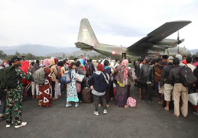 17 Ribu Pengungsi Antre Terbang Tinggalkan Wamena
