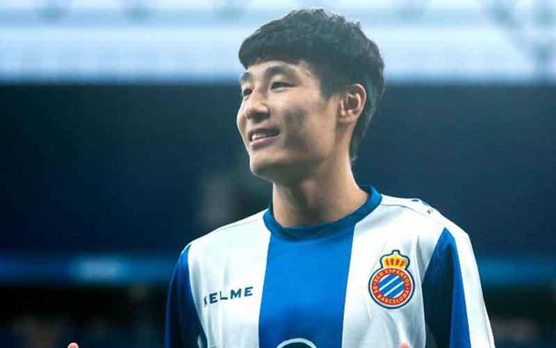 """Maradona"" Tantang Messi di Derby Catalunya"